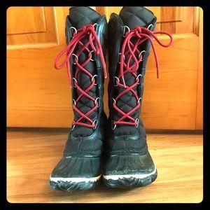 Sorel mid-calf, lace up winter boots